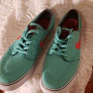 NIKE Stefan Janoski Shoes